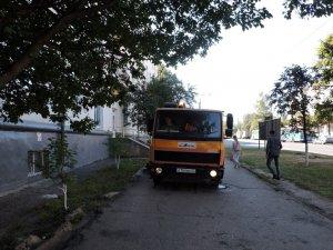 Ежедневно более 60 единиц техники и свыше 100 дорожных рабочих готовят Чебоксары к празднику