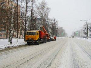 Максимальное число дорожной техники задействовано на уборке дорог г.Чебоксары во время снежного циклона