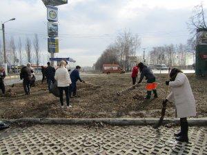 """Сотрудники АО """"Дорэкс"""" вышли сегодня на первое в этом году экологическое мероприятие по очистке прилегающей территории"""