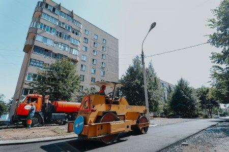 Глава администрации Чебоксар провел выездное совещание на объектах благоустройства – дворовых территориях и общественных пространствах во всех районах столицы.