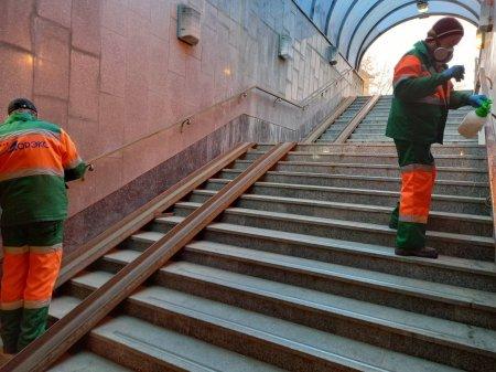 В Чебоксарах продолжается дезинфекция общественных мест