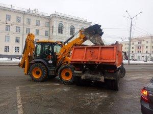 Уборка снега в городе
